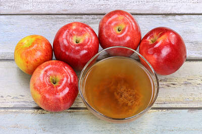 apple-cider-vinegar-with-mother-in-cup-opt