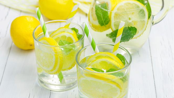 benefits-of-drinking-lemon-water-2103