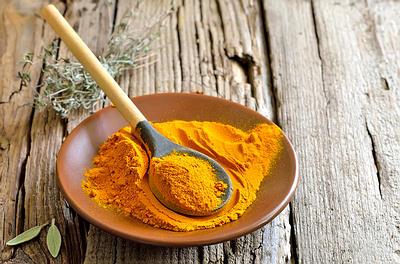 turmeric-powder-spoon-opt3
