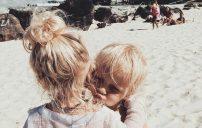 صور اطفال على الساحل 4