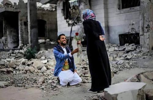 صور زوجين رومانسية