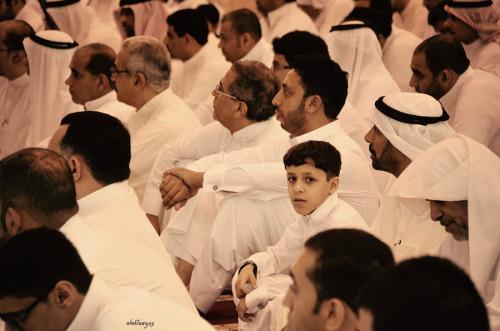 صور طفل في صلاة العيد
