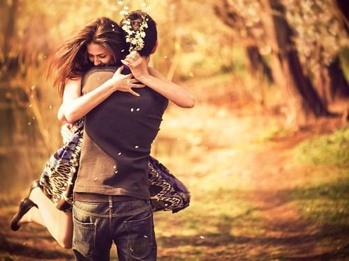 صور عن المحبة احضان