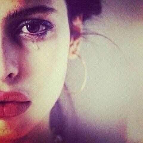 صور حزن بنات 10