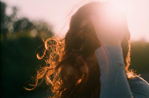 صور بنات جميلات حزينة 12