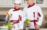 شخص يمتلك مهارات احترافية في الطبخ 6
