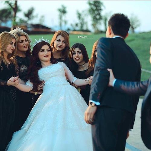 صور رومانسية في يوم الزفاف 60