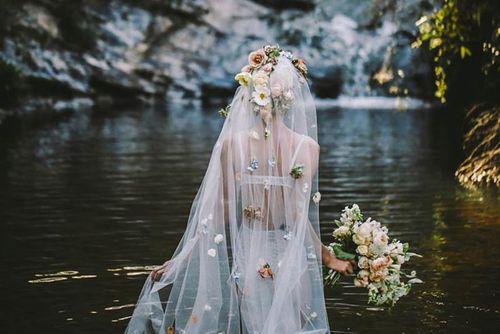 رمزيات رومانسية للعروسة 70