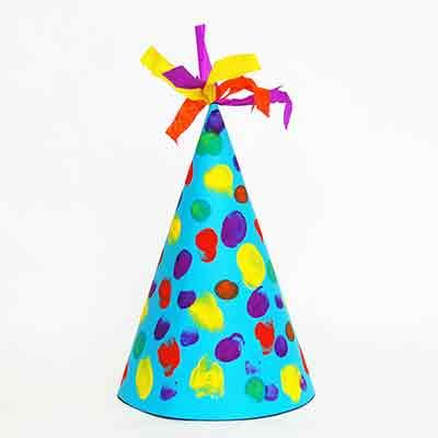 تلوين قبعة عيد ميلاد ورقية
